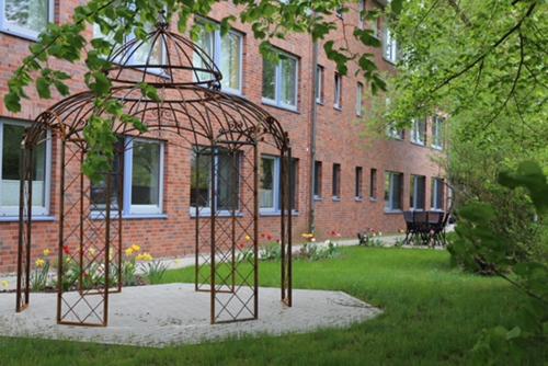 Garten und Außenbereich bei der Palliativ- und Intensivpflegeeinrichtung in Wittstock